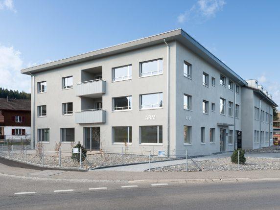 Mehrfamilienhaus ARM Biglen